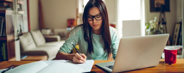 Confira cursos online grátis para melhorar o currículo e ganhar mais dinheiro