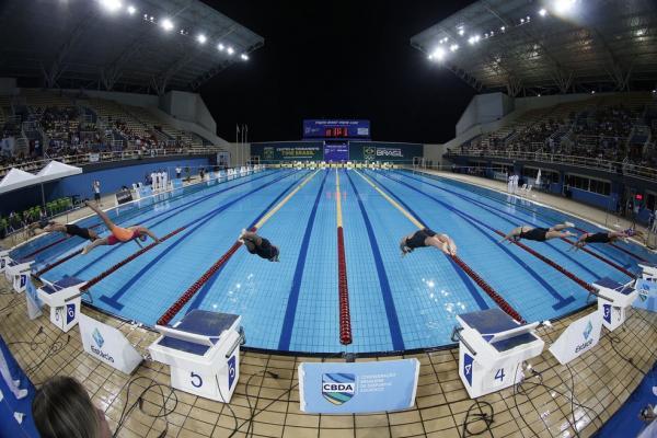 Natação brasileira estuda 'bolha' e repescagem para conter Covid-19 em seletiva para as Olimpíadas