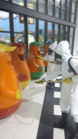 Exército realiza desinfecção em prontos-socorros de Barueri