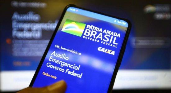 Governo envia SMS a presos, militares e servidores para cobrar auxílio emergencial indevido