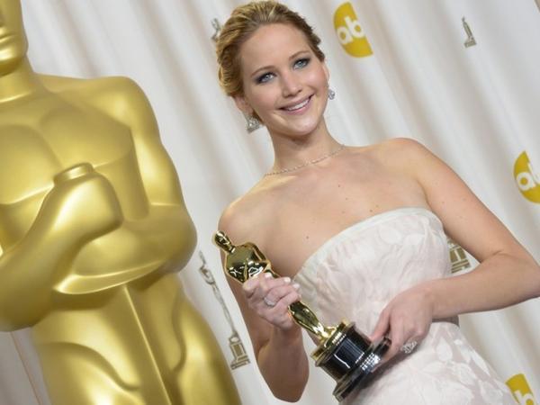 Jennifer Lawrence se fere durante 'explosão controlada' em set de filmagem, diz site