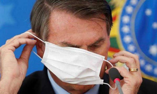 Crítico de lockdown, Bolsonaro aposta em vacinação acelerada para sair da crise