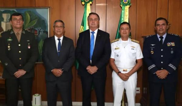 Bolsonaro define novos comandantes de Exército, Marinha e Aeronáutica