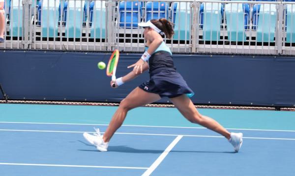 Luisa Stefani alcança melhor ranking de uma tenista brasileira na WTA