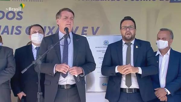Bolsonaro volta a defender tratamento precoce e retorno ao trabalho