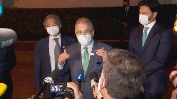 Não posso dar canetada para aprovar vacinas', diz Queiroga após jantar em SP
