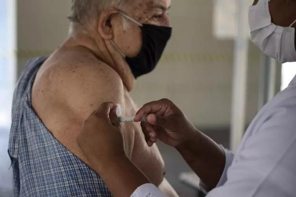 Saiba a importância de tomar a segunda dose da vacina contra a Covid-19