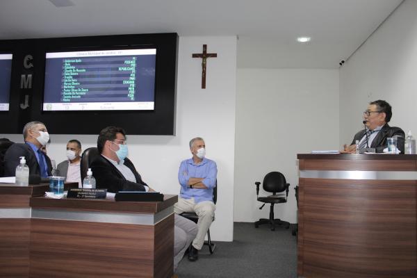Tribuna da Câmara recebe prefeito de Jandira
