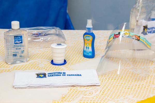 Prefeitura entrega mais de 36 mil kits de prevenção contra o coronavírus, na volta às aulas