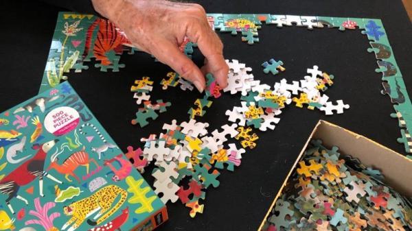 Uma solução analógica contra a ansiedade do isolamento: quebra-cabeças