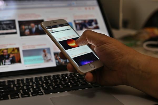 Uso de internet móvel cai, de banda larga fixa dispara e preço médio sobe 8%