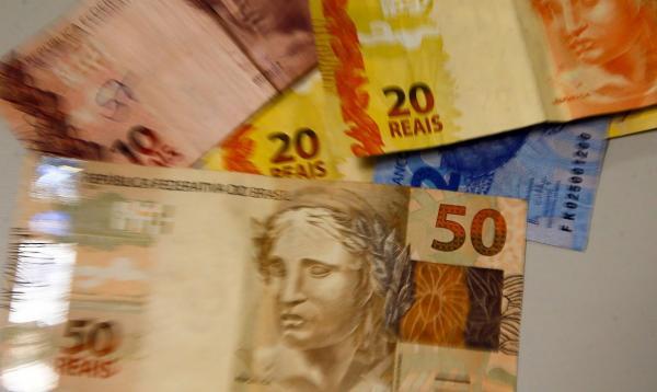 Brasileiros acreditam que inflação ficará em 4,7% em 12 meses